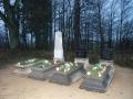 Jonikaičiai. Kristupo ir Jono Urėdaičių kapas. 2013
